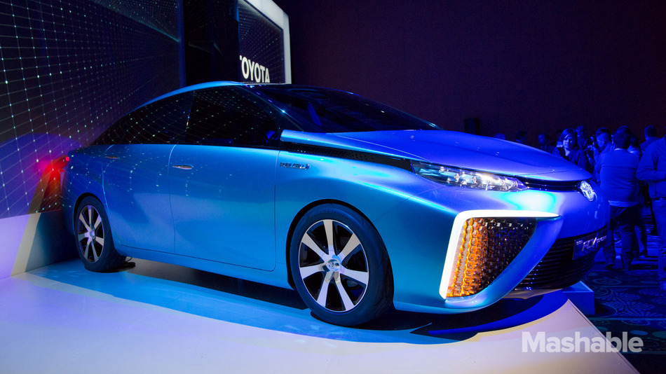 Toyota Shows Off Fuel Cell Vehicle Powered by Hydrogen, Air