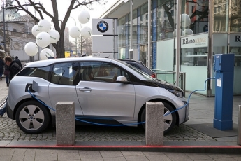 Subsidy key to expanding electric vehicle fleets