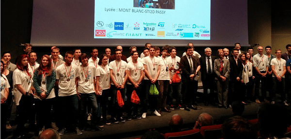 Renault, partner of the final of the 2015 engineering sciences olympics, welcomes 300 high school students