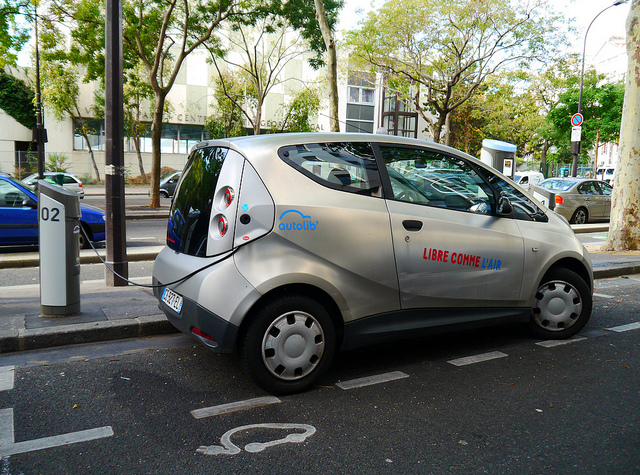 France tackles air quality through urban mobility
