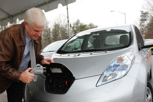 Solar charging station for electric cars unveiled in Utrecht