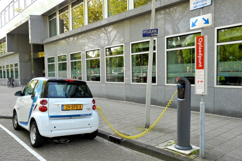 Amsterdam to triple EV charging points by 2018