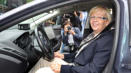 Prime Minister of North Rhine-Westphalia Applauds Ford's Aachen Research Centre