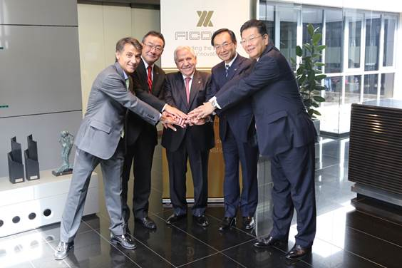 Ficosa and Panasonic formalize their alliance with the visit of Panasonic Corporation President Kazuhiro Tsuga to Viladecavalls