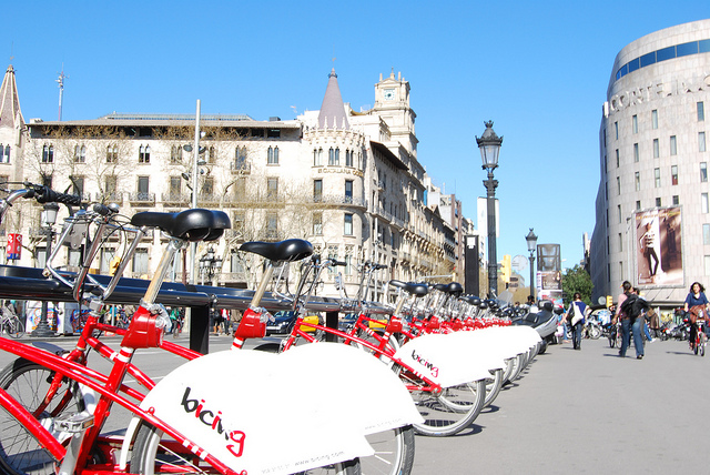 Barcelona to double cycle-lane network in three years
