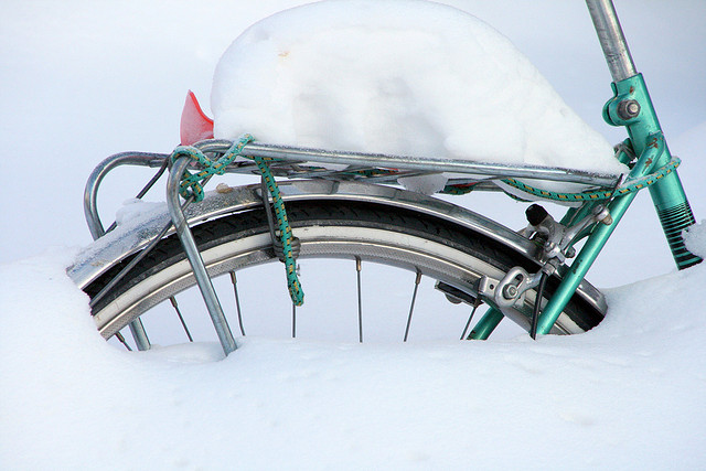 New de-icing agent for cycle lanes tested in Helsinki