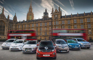 UK extends plug-in car subisidy to 2018