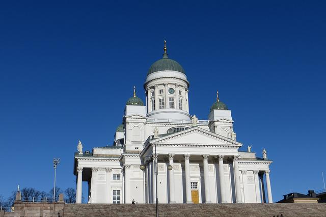 Helsinki and Espoo commission light-rail line study