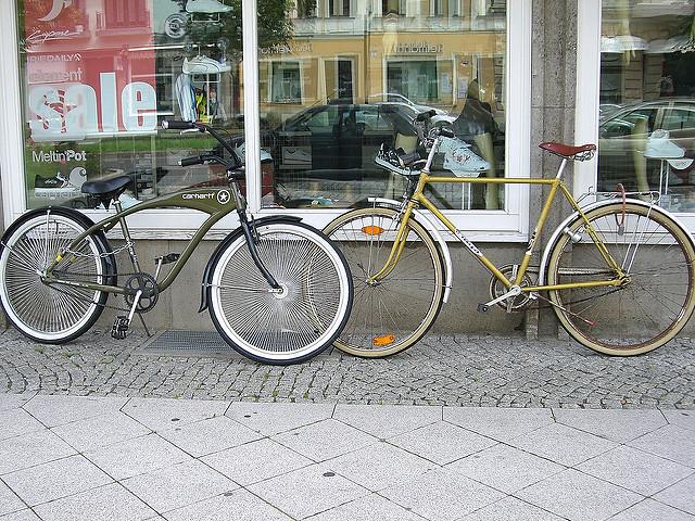 Bicycle rental service opens in Kiev