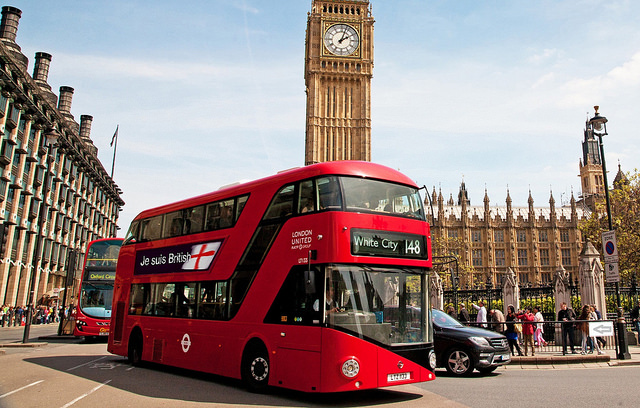 Real-time traffic updates to be displayed on London buses