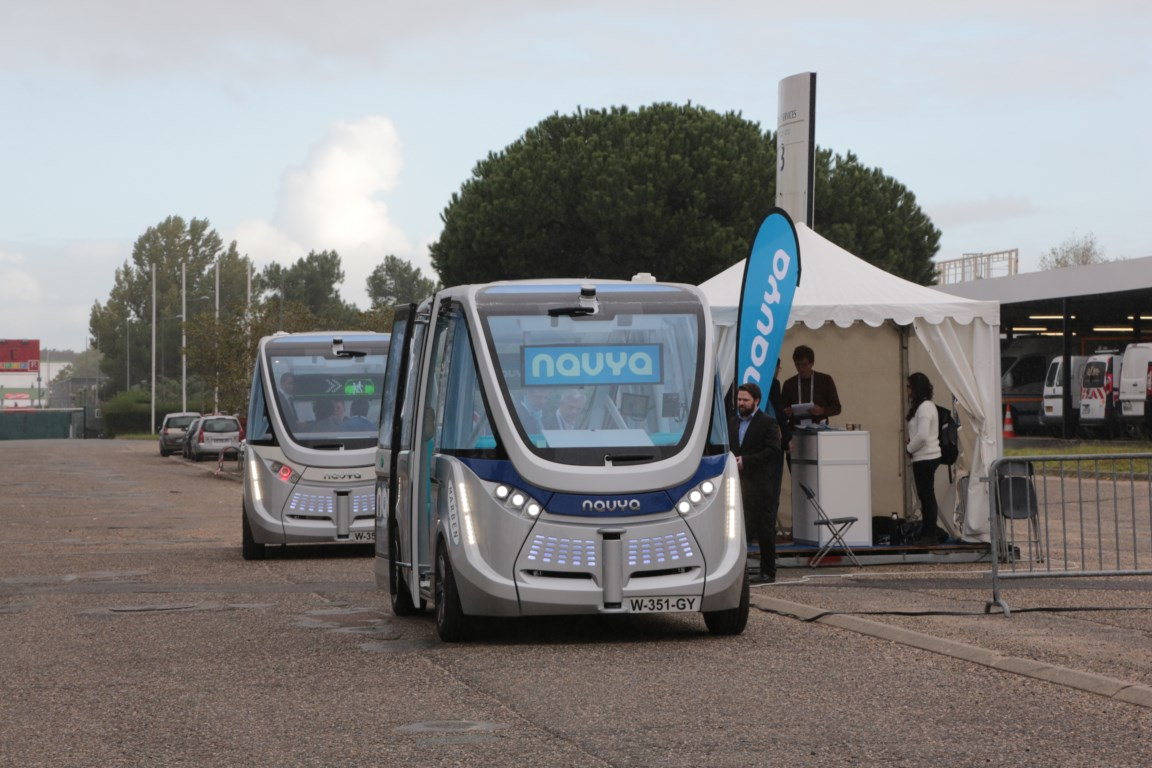Autonomous shuttle starts trial in Lyon