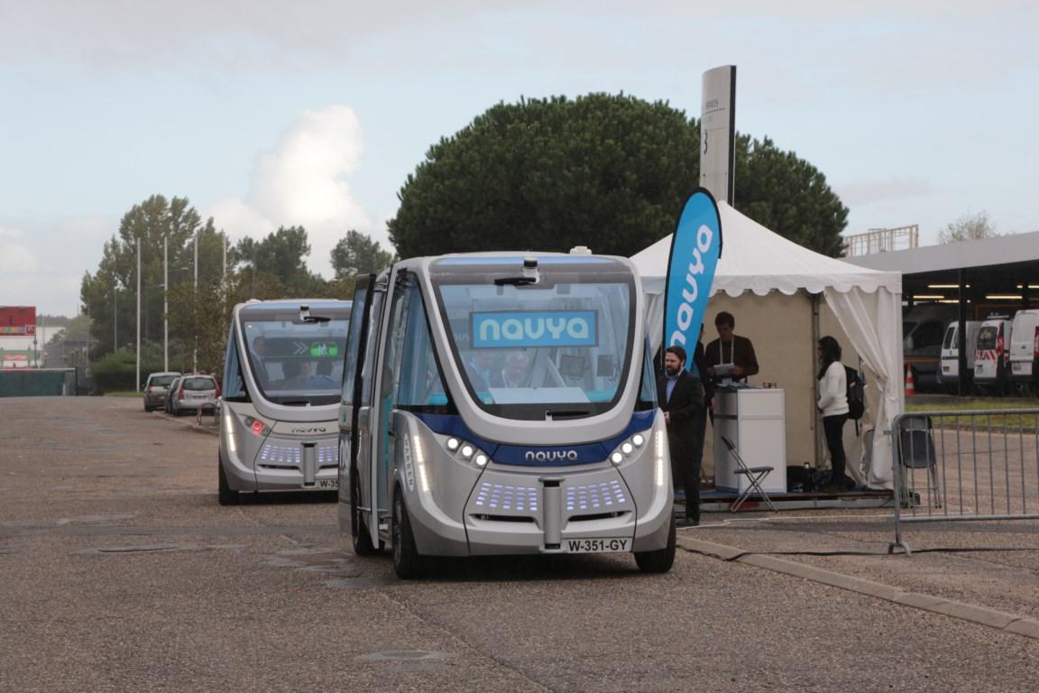Autonomous shuttle starts trial in Lyon