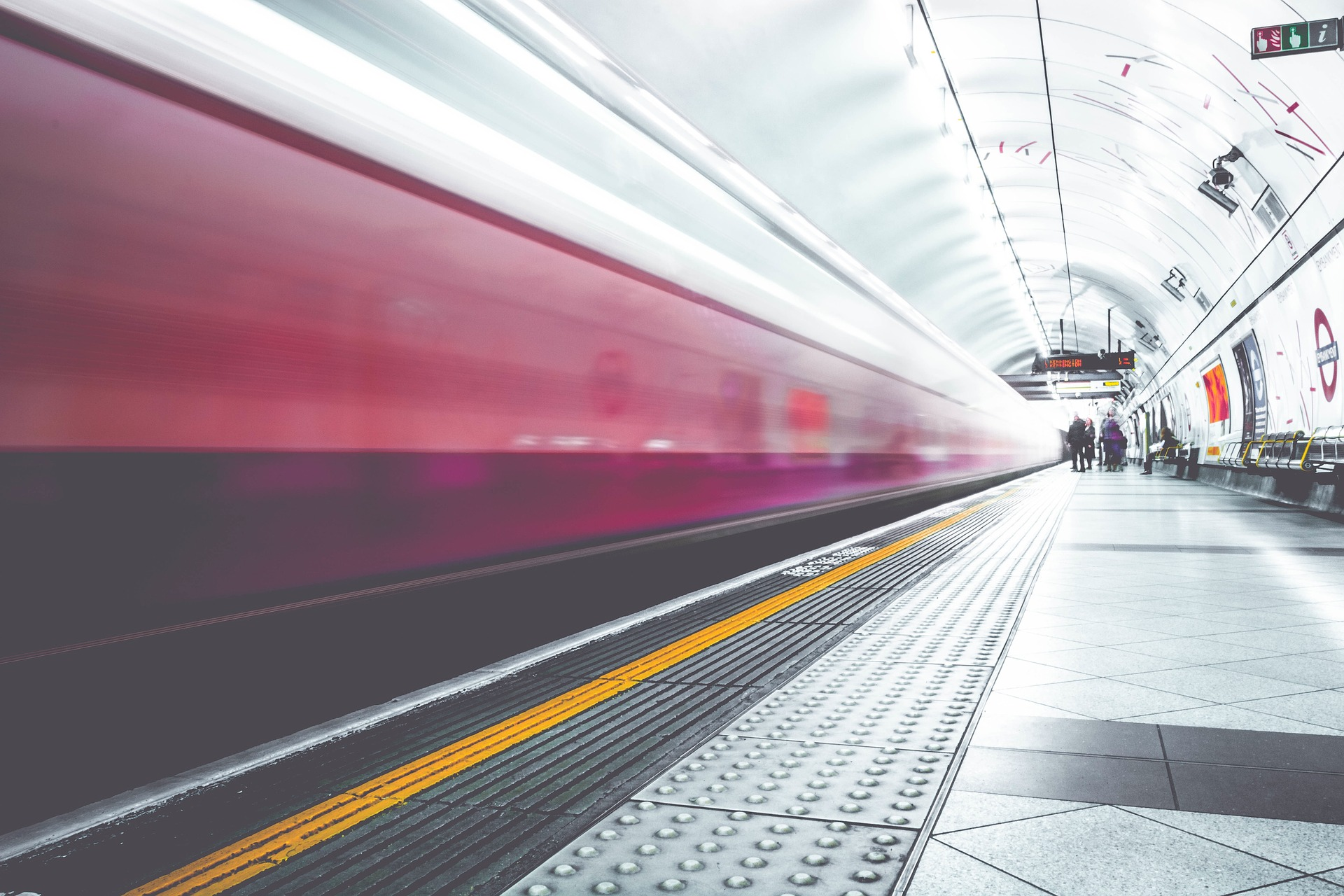 Warsaw receives EU funds for metro expansion (Poland)