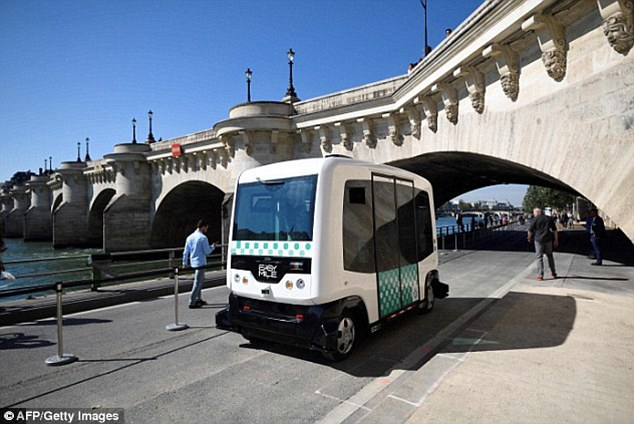 Paris launches driverless bus service to tackle pollution and congestion
