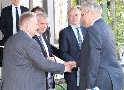 Bavaria's Minister of Interior and Transport discusses TPEGin Munich
