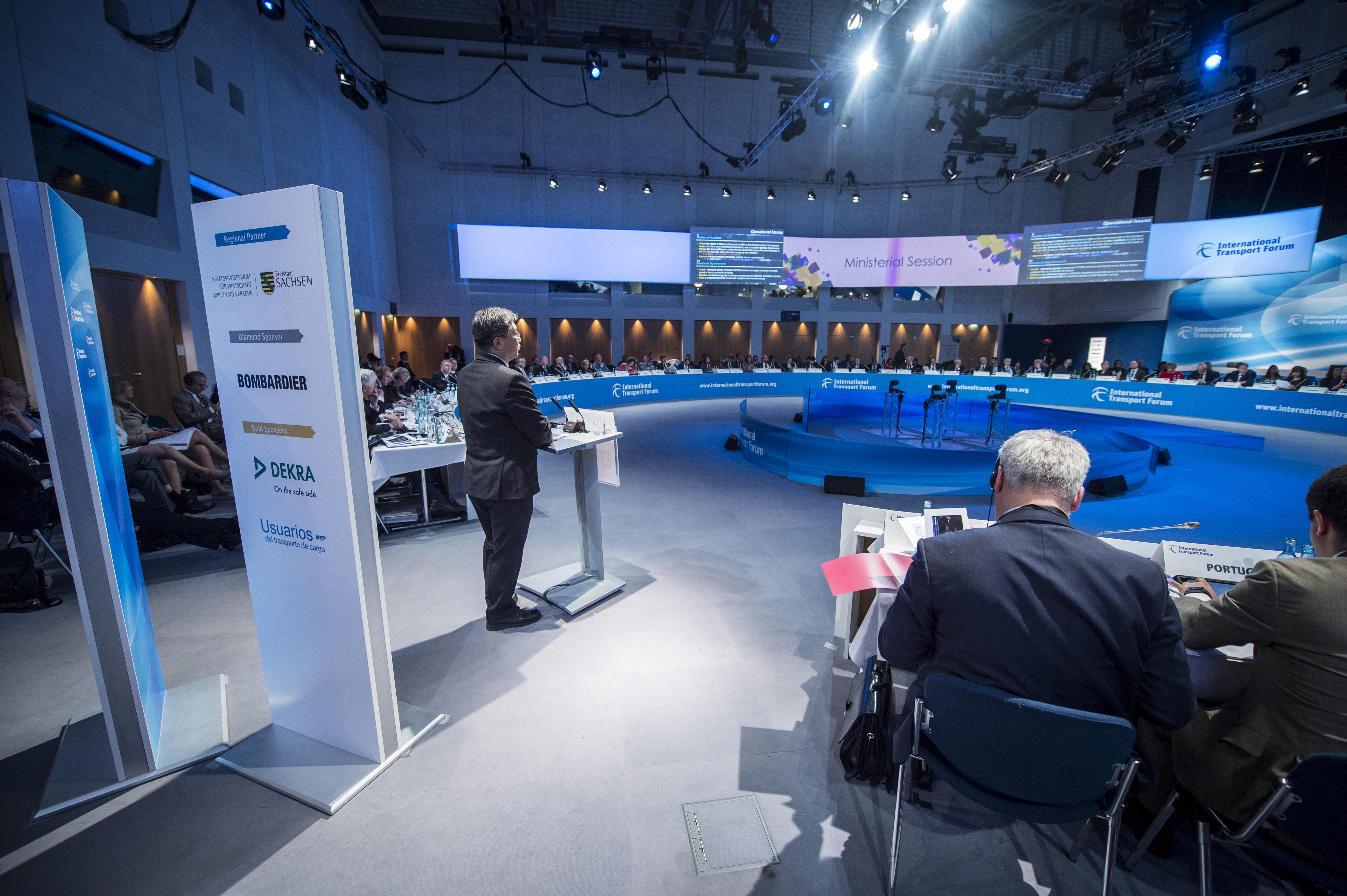 World's transport ministers sign landmark declaration
