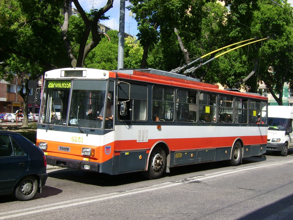 Trolleybuses to make a comeback in Prague