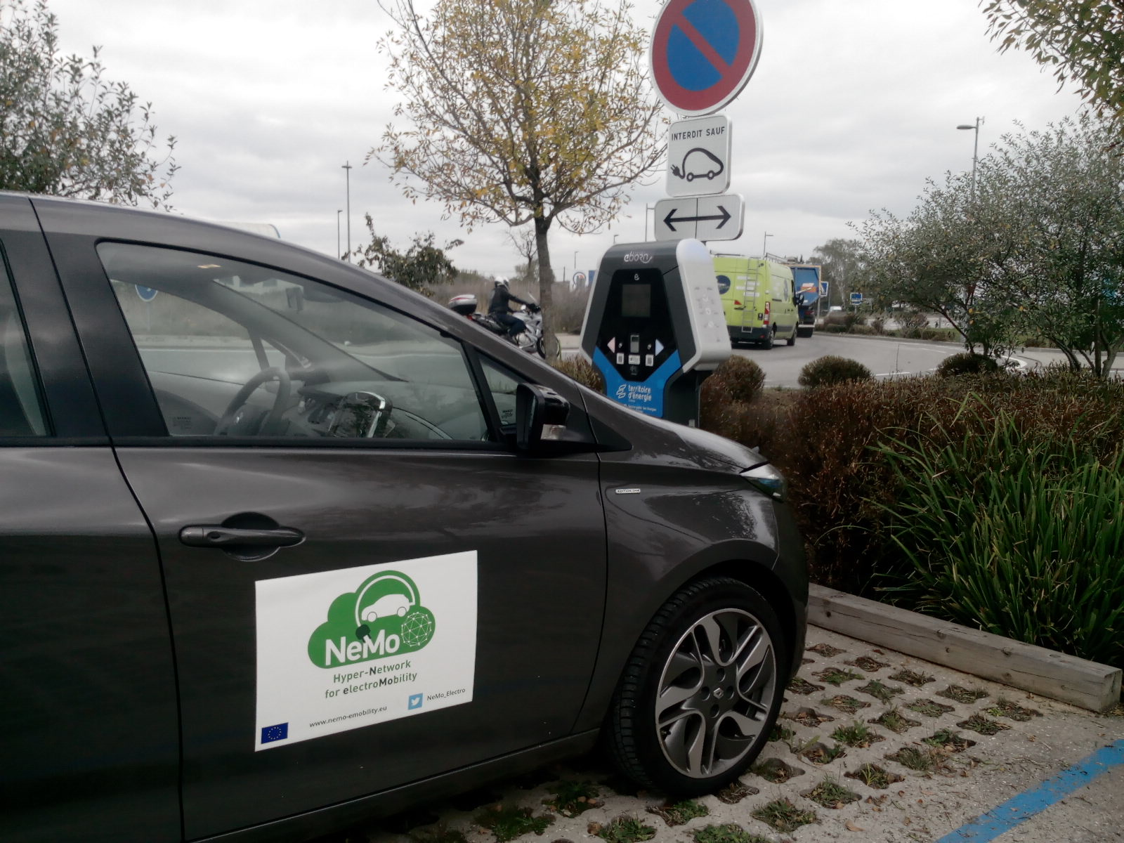 Electric car e-roaming test drive crosses three countries