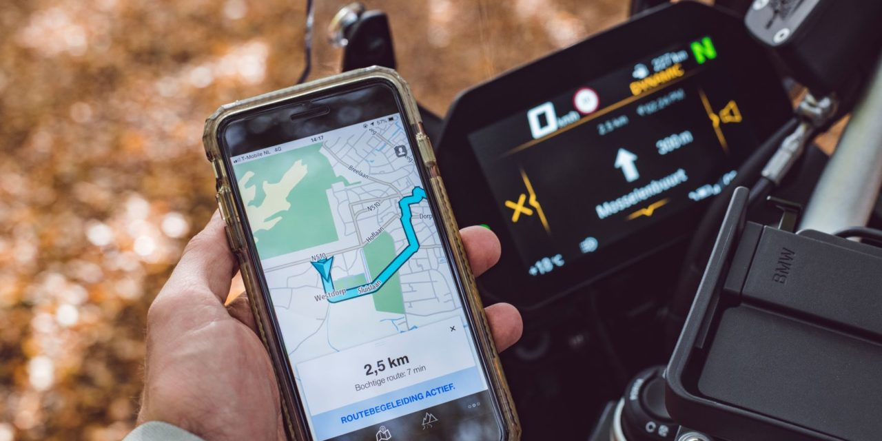 TomTom and BMW Motorrad provide in-bike navigation via app